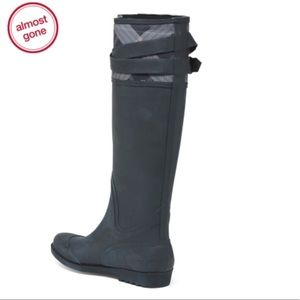🐾PAWSitively Posh Boutique🐾 Shoes - Henry Ferrera high shaft tall rainboots